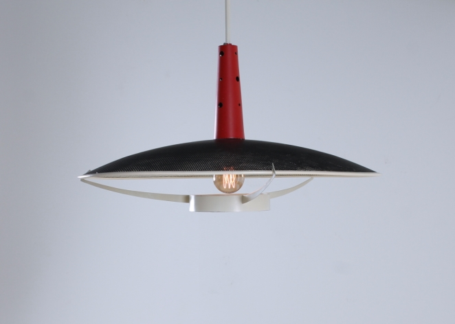 philips-louis-kalff-NB-19-nb19-ufo-perforated-pendant-red-black-design-holland-netherlands-fifties-mategot-influenced-era-3