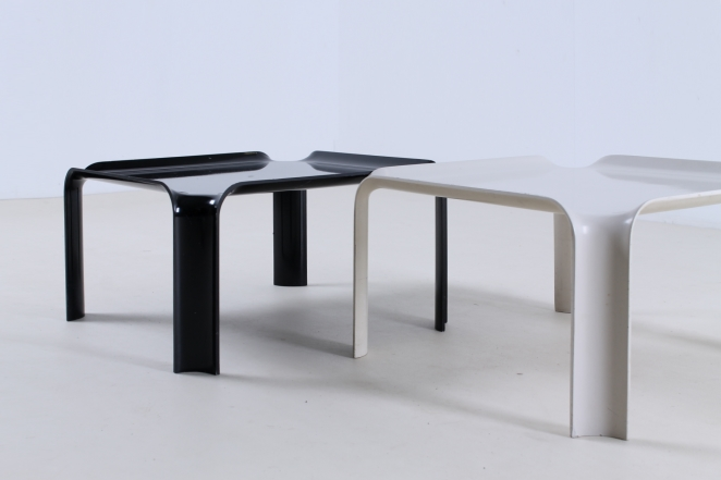pierre-paulin-artifort-877-coffee-table-fiberglass-F300-set-plastic-black-off-white-seventies-rare-2