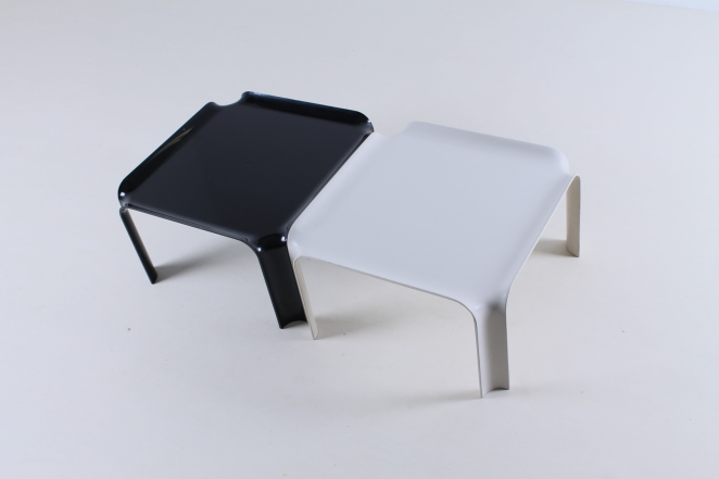 pierre-paulin-artifort-877-coffee-table-fiberglass-F300-set-plastic-black-off-white-seventies-rare-3