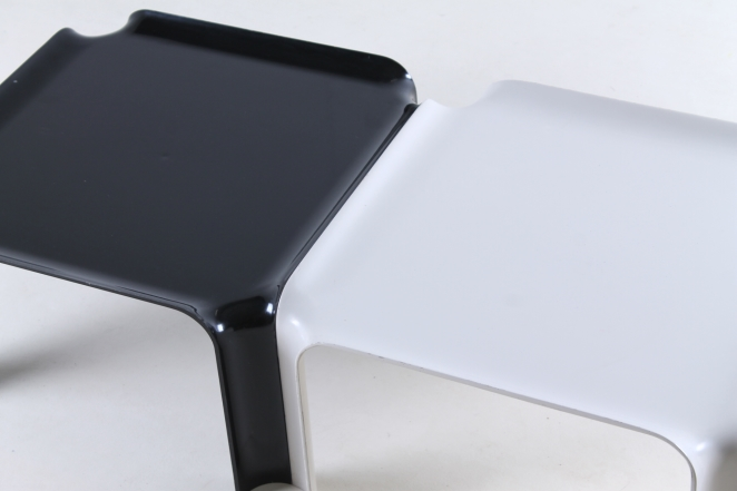 pierre-paulin-artifort-877-coffee-table-fiberglass-F300-set-plastic-black-off-white-seventies-rare-4