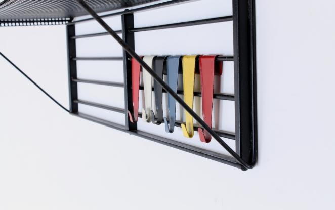 pilastro-coat-rack-servo-muto-white-hat-shelve-tjerk-reijenga-1950ies-dutch-design-musical-scale-colored-hooks-black-bars-vintage-kapstok-6
