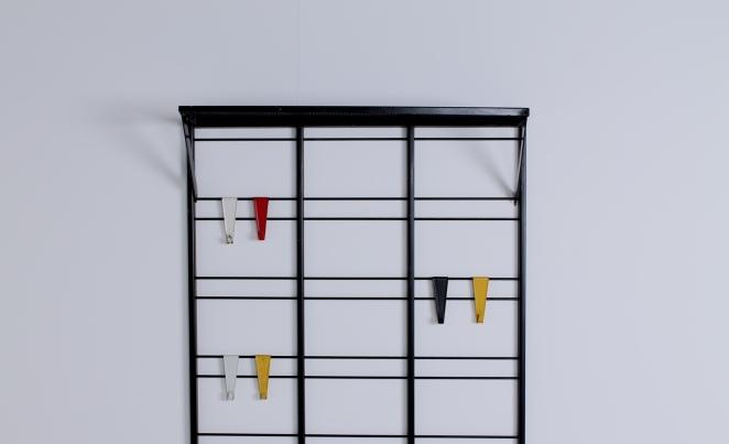 pilastro-coat-rack-toonladder-notenbalk-fifties-dutch-industrial-modernist-design-2