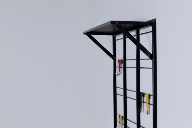 pilastro-coat-rack-toonladder-notenbalk-fifties-dutch-industrial-modernist-design-4