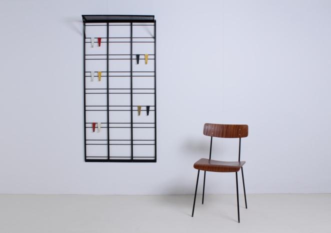 pilastro-coat-rack-toonladder-notenbalk-fifties-dutch-industrial-modernist-design-5