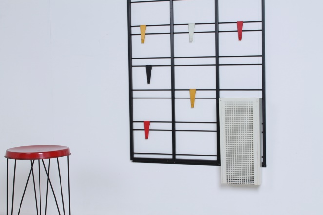 pilastro-coat-rack-toonladder-notenbalk-fifties-dutch-industrial-modernist-design-tomado-metal-household-product-style-2