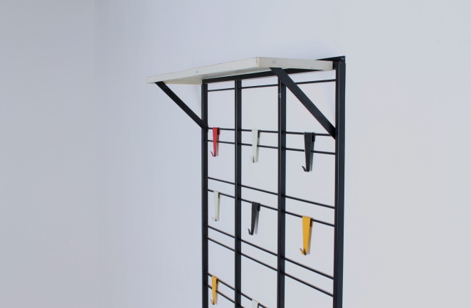 pilastro-coat-rack-toonladder-notenbalk-fifties-dutch-industrial-modernist-design-tomado-metal-household-product-style-3