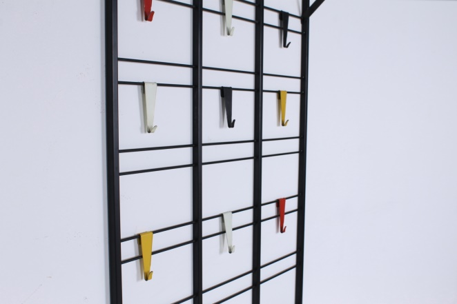 pilastro-coat-rack-toonladder-notenbalk-fifties-dutch-industrial-modernist-design-tomado-metal-household-product-style-5