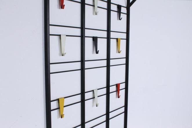 pilastro-coat-rack-toonladder-notenbalk-fifties-dutch-industrial-modernist-design-tomado-metal-household-product-style-5