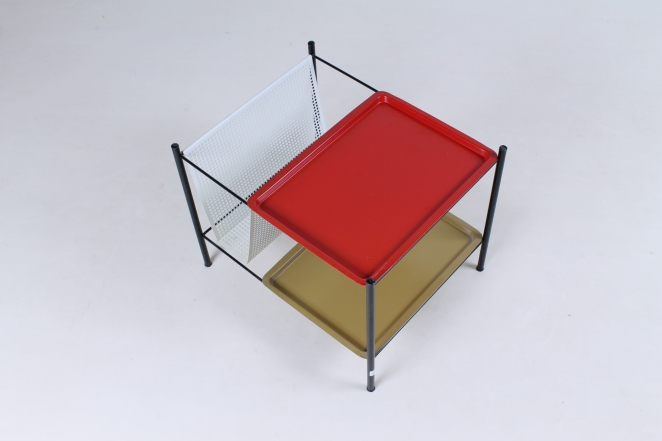 pilastro-red-olive-magazine-holder-perforated-metal-tjerk-reijenga-midcentury-wire-house-hold-metal-vintage-design-holland-1