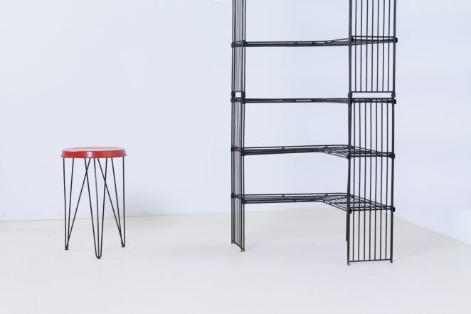pilastro-tomado-style-wire-wiring-modular-metal-storage-vintage-shoe-clothing-shop-decorative-display-industrial-corner-unit-30ies-fifties-