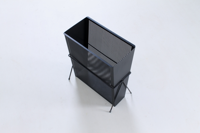 pilastro-umbrella-stand-holder-perforated-metal-tjerk-reijenga-fifties-small-vintage-furniture-design-3