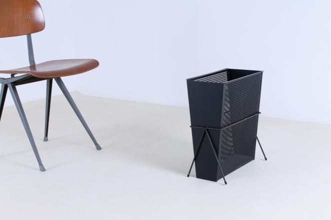 pilastro-umbrella-stand-holder-perforated-metal-tjerk-reijenga-fifties-small-vintage-furniture-design-5