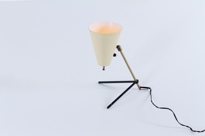 pinocchio-hala-anvia-like-brass-tripod-shape-vintage-midcentury-desk-table-light-1