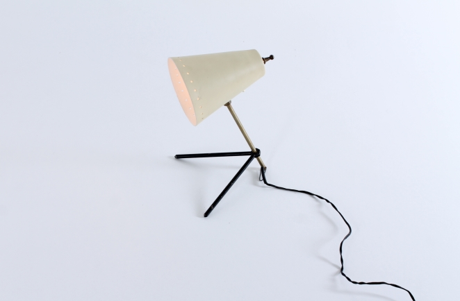 pinocchio-hala-anvia-like-brass-tripod-shape-vintage-midcentury-desk-table-light-6