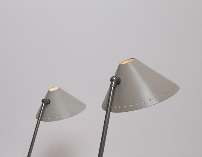 pinocchio-hala-small-white-table-light-stars-tripod-fifties-dutch-busquet-5