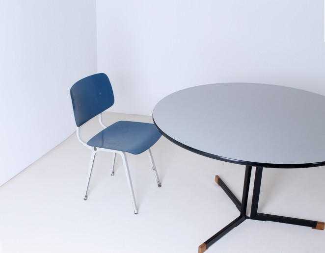 polak-ap-ap103-originals-hein-salomonson-round-dining-dinner-table-dutch-industrial-design-formica-tripod-minimalist-modernistic-furniture-goed-wonen-8