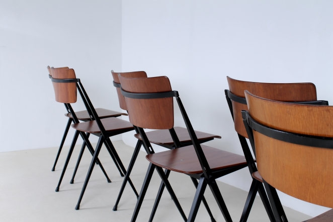 pyramid-chairs-no-armrests-without-wim-rietveld-friso-kramer-ahrend-de-cirkel-dutch-design-stacking-chairs-11