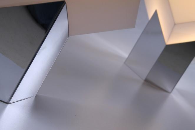 raak-cube-kubus-large-floor-light-space-age-seventies-modern-dutch-design-designer-classy-loft-willy-rizzo-style-interior-7