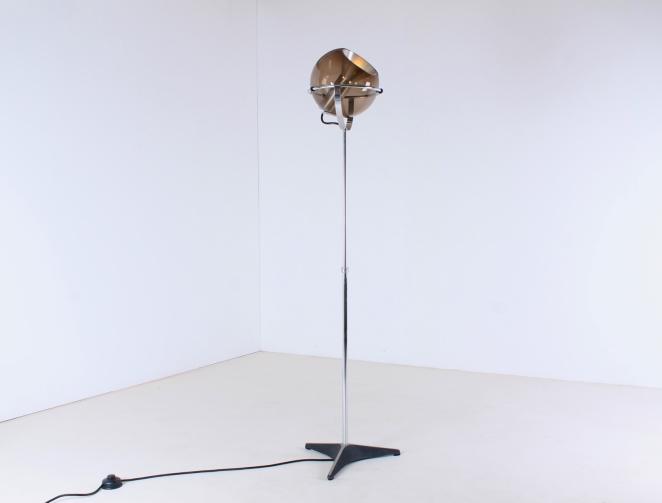 raak-globe-frank-ligtelijn-dutch-lighting-design-lampadaire-smoked-glass-globe-original-vintage-dutch-floor-light-1