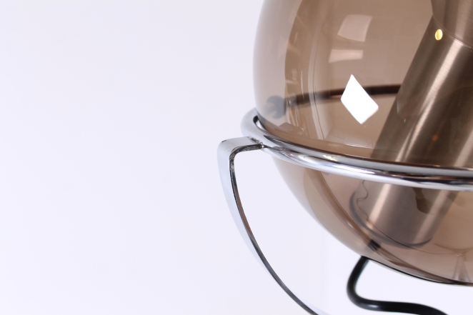 raak-globe-frank-ligtelijn-dutch-lighting-design-lampadaire-smoked-glass-globe-original-vintage-dutch-floor-light-3