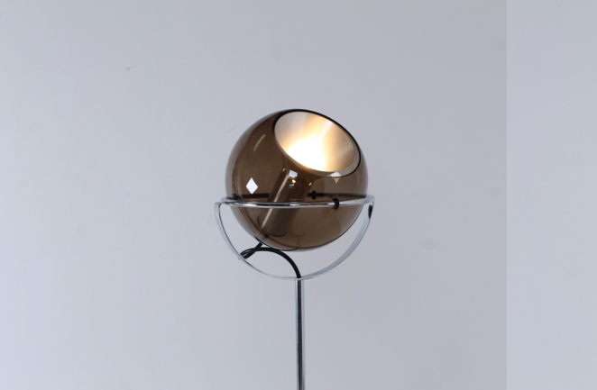 raak-globe-frank-ligtelijn-dutch-lighting-design-lampadaire-smoked-glass-globe-original-vintage-dutch-floor-light-4