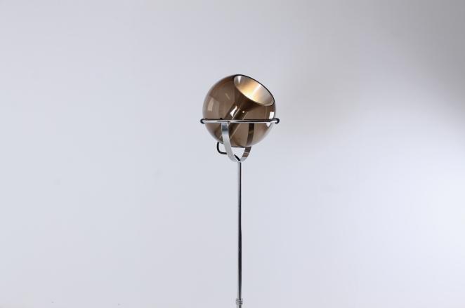 raak-globe-frank-ligtelijn-dutch-lighting-design-lampadaire-smoked-glass-globe-original-vintage-dutch-floor-light-5