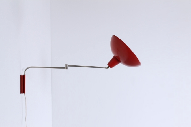red-adjustable-metal-wall-light-vintage-retro-design-swinging-arm-elbow-hala-anvia-herda-era-