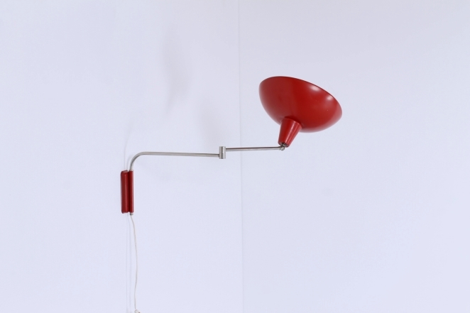 red-adjustable-metal-wall-light-vintage-retro-design-swinging-arm-elbow-hala-anvia-herda-era-1