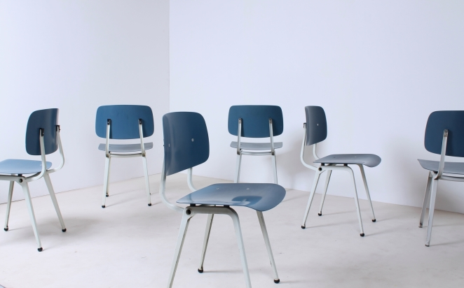 revolt-blue-dining-chairs-friso-kramer-ciranol-smooth-colorful-set-of-six-vintage-dutch-industrial-design-1