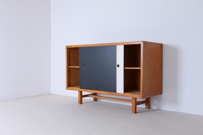 sideboard-kommode-buffet-holz-dutch-design-vintage-antique-sliding-doors-credenza-wood-néerlandais-jaap-penraat-friso-kramer-wim-rietveld-cees-braakman-dutch-modernist-new-era-