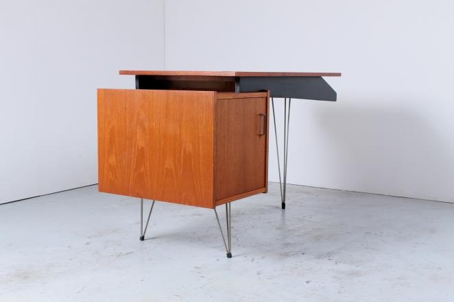 sprietpoten-secretary-counter-dutch-design-minimal-midcentury-fifties-furniture-bureautje-bureau-3