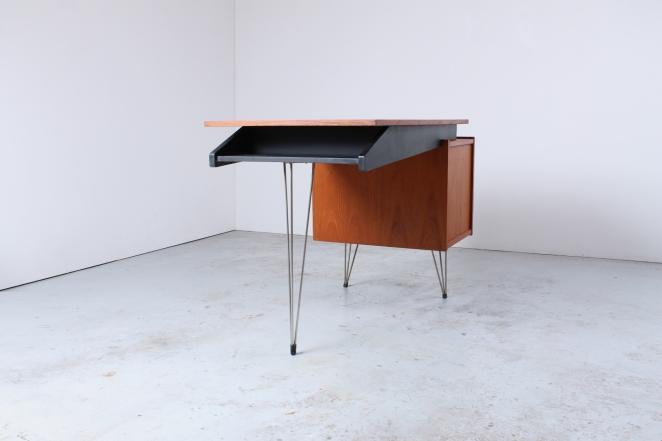 sprietpoten-secretary-counter-dutch-design-minimal-midcentury-fifties-furniture-bureautje-bureau-7