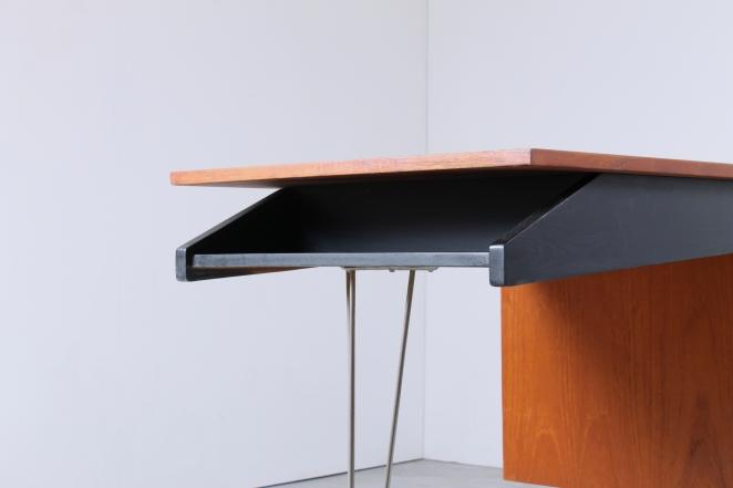 sprietpoten-secretary-counter-dutch-design-minimal-midcentury-fifties-furniture-bureautje-bureau-8