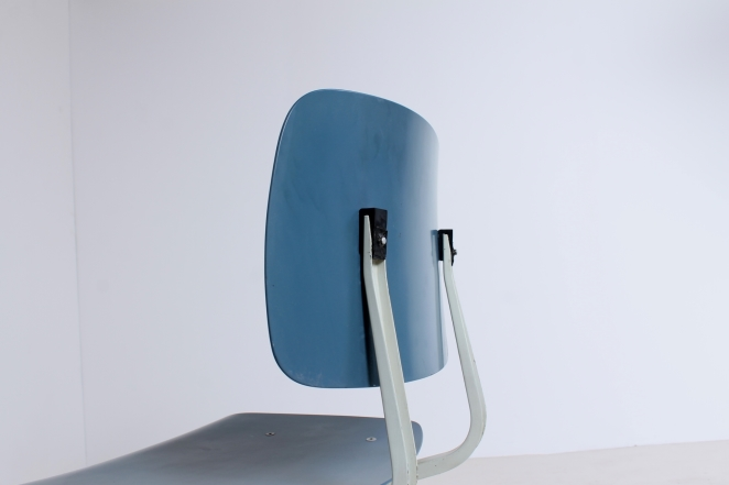 stühle-antik-holländisch-design-möbel-fünfziger-jahre-siège-conception-meubles-industriel-prouve-style-friso-kramer-ahrend-de-cirkel-néerlandais-vintage-chairs-retro1