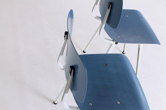 stühle-antik-holländisch-design-möbel-fünfziger-jahre-siège-conception-meubles-industriel-prouve-style-friso-kramer-ahrend-de-cirkel-néerlandais-vintage-chairs-retro2