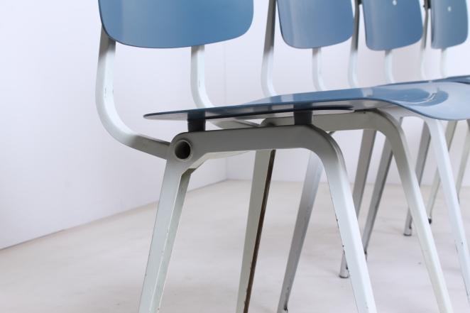 stühle-antik-holländisch-design-möbel-fünfziger-jahre-siège-conception-meubles-industriel-prouve-style-friso-kramer-ahrend-de-cirkel-néerlandais-vintage-chairs-retro3