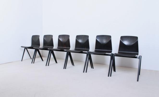 stühle-antik-holländisch-design-möbel-fünfziger-jahre-siège-conception-meubles-industriel-prouve-style-pagholz-thur-op-seat-galvanitas-néerlandais-vintage-chairs-retro