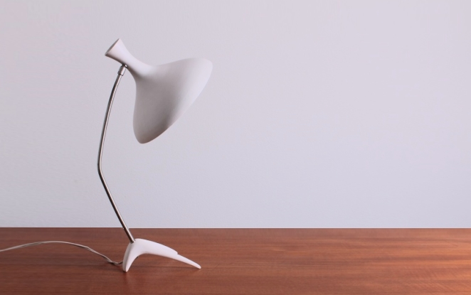 stilnovo-arteluce-style-crow-foot-tripod-table-light-fifties-kosack-modernism-white-vintage-7