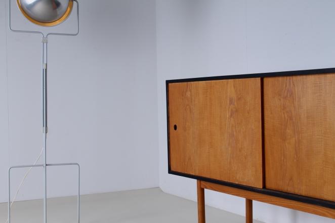 theo-arts-furniture-fifties-dutch-rare-minimal-design-black-pinewood-fifties-architecture-pastoe-goed-wonen-era-7