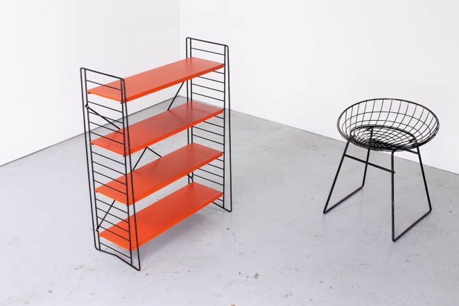 tomado-floor-unit-vintage-orange-metal-rack-bookshelfs-floor-stand-wire-wiring-retro-shelving-modular-system-room-divider-boekenrek-4