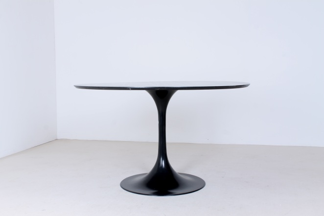 tulip-black-dining-table-knoll-attributed-organic-midcentury-design-fifties-round-metal-wood-top-vintage-1