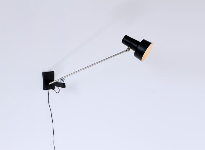 willem-hagoort-adjustable-wall-light-black-industrial-balance-arm-chrome-midcentury-vintage-retro-subtle-minimal-dutch-design-1