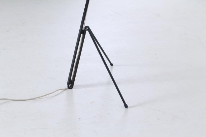 wim-rietveld-gispen-floor-light-6320-prior-panama-modernist-midcentury-mcm-industrial-lighting-dutch-design-minimal-insect-grasshopper-base-6