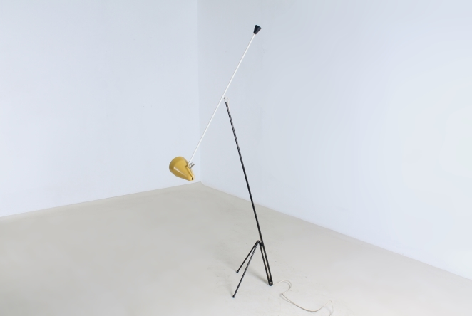 wim-rietveld-gispen-floor-light-6320-prior-panama-modernist-midcentury-mcm-industrial-lighting-dutch-design-minimal-insect-grasshopper-base-8
