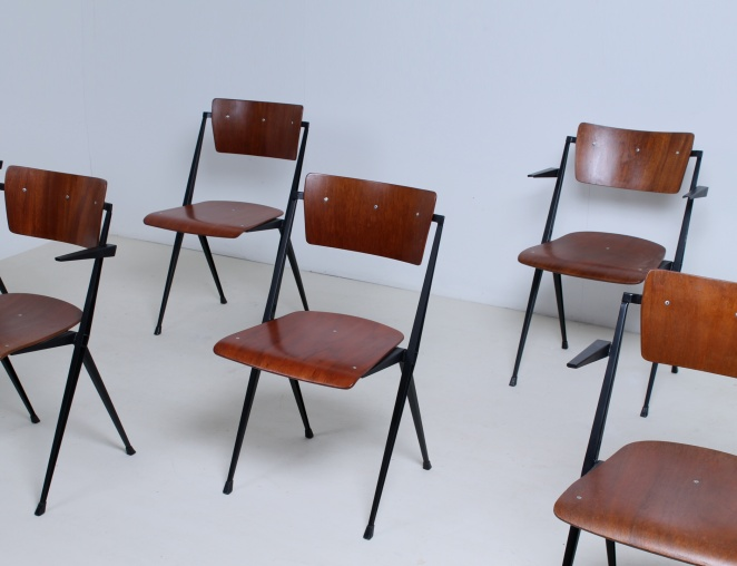 wim-rietveld-pyramid-chairs-ahrend-de-cirkel-dutch-design-vintage-industrial-design-netherlands-2
