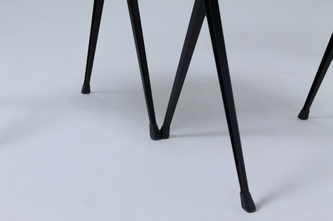 wim-rietveld-pyramid-chairs-ahrend-de-cirkel-dutch-design-vintage-industrial-design-netherlands-8