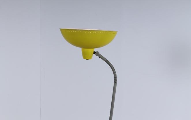 yellow-floor-pinocchio-light-hala-busquet-dutch-design-vintage-fifties-tripod-minimal-3