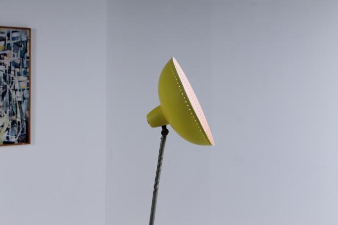 yellow-floor-pinocchio-light-hala-busquet-dutch-design-vintage-fifties-tripod-minimal-4