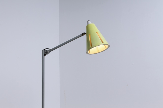 yellow-sun-series-floor-light-hala-busquet-dutch-design-vintage-fifties-adjustable-minimal-1