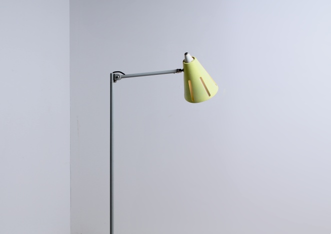 yellow-sun-series-floor-light-hala-busquet-dutch-design-vintage-fifties-adjustable-minimal-3